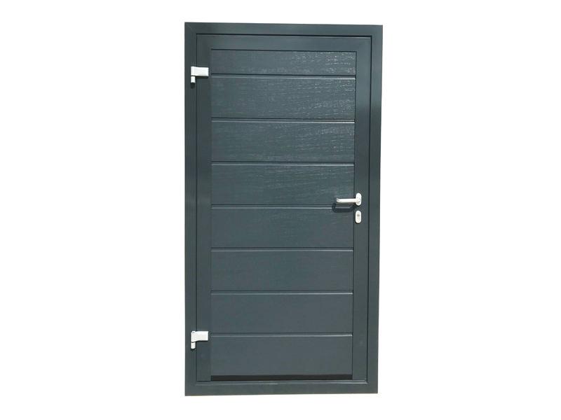 Sehn Fertiggarage mit doppelwandigerSektional-Tür